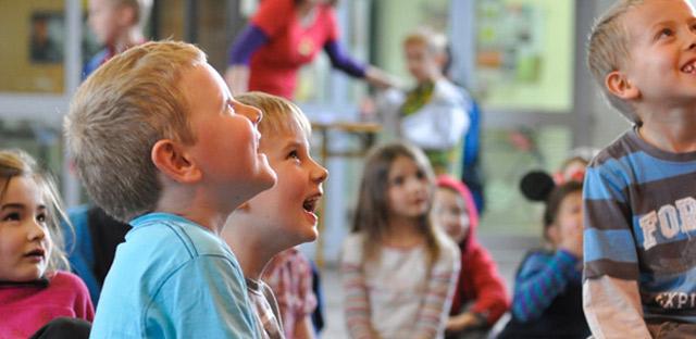 niños sonriendo en Nueva Zelanda José Manuel Bautista